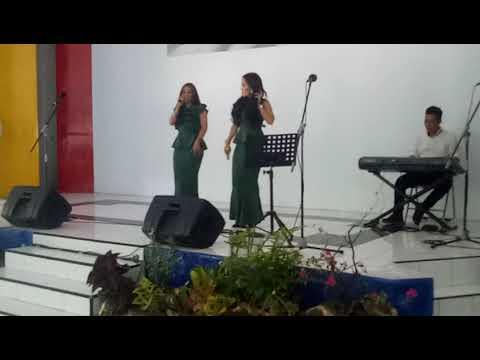 Penyanyi artis makassar