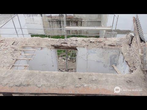 VÍDEO: El Ayuntamiento decreta el riesgo de derrumbe del edificio de la calle Flores frente a la Biblioteca, que será demolido