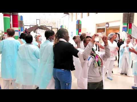 Action AP-HP - Hôpital Saint-Louis ©Facebook AP-HP Santé indignée