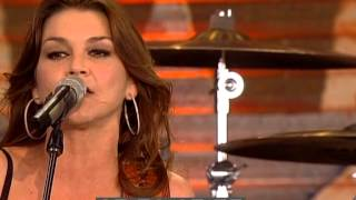 Gretchen Wilson - Redneck Woman (Live at Farm Aid 2009)
