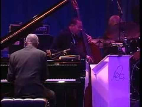 Duke Ellington Orchestra - Take the A Train mp3