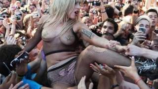Lady Gaga Talks About Crowd Surfing At Lollapalooza | Interview | On Air With Ryan Seacrest