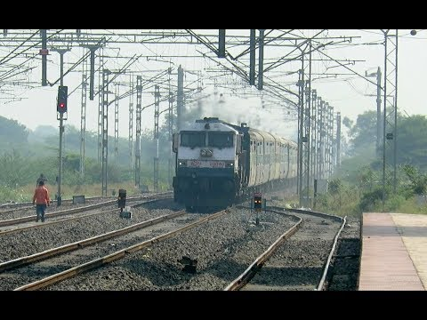 INTENSE EMD BLAST : Coimbatore - LTT Express with KJM WDP4 Storms Past Uruli : INDIAN RAILWAYS