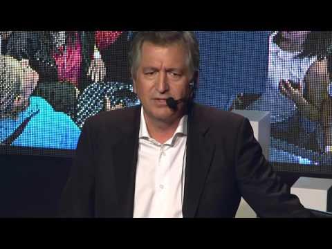 El sueño mexicano: empezar de cero | Jorge Vergara Madrigal | TEDxJuriquilla