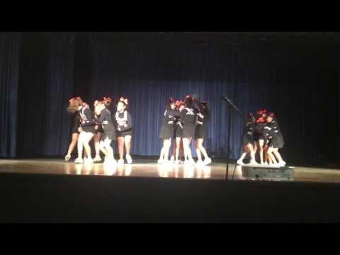 Eastmont middle school cheer performs at Montebello highschool 2016