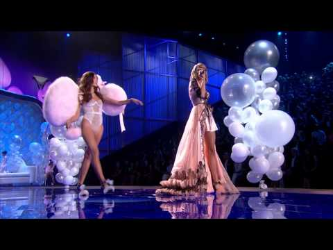 Taylor Swift - Victoria's Secret Fashion Show 2014 Preview