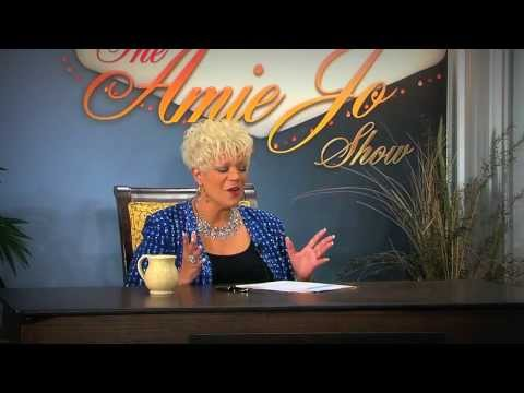 Amie Jo interviews International Entertainer Phil Flowers (Full Show)