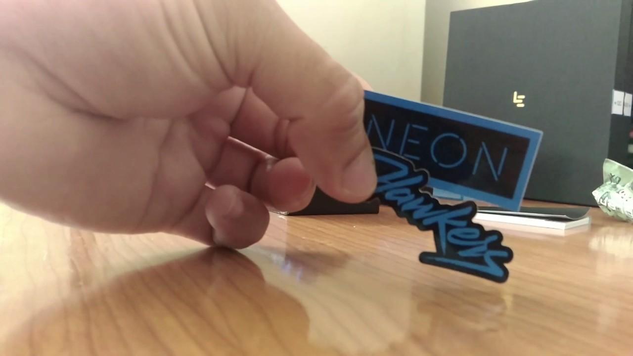 0ad45610da3 Unboxing - Hawkers X Steve Aoki - Neon Blue Sky Lax - YouTube