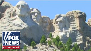Social distancing not required at Mount Rushmore event