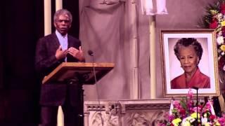 André De Shields sings 'Believe in Yourself' at Billie Allen Henderson Memorial