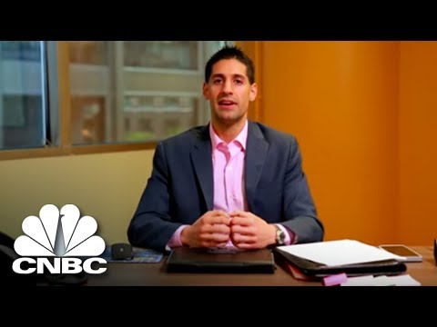 This Chicago Tech Company Is Looking For A New Marketing Manager | The Job Interview | CNBC Prime
