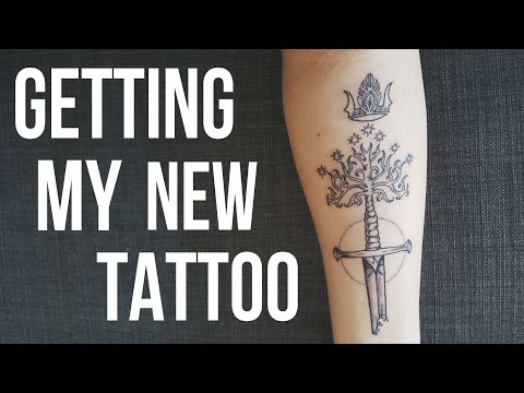 VLOG #16 | Getting my Lord of the Rings Tattoo • RachealLeeRose