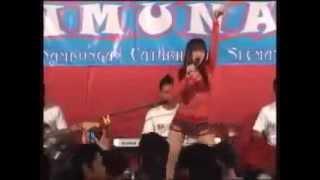 dangdut koplo hot terbaru  Brondong Tua ~ Uut Selly