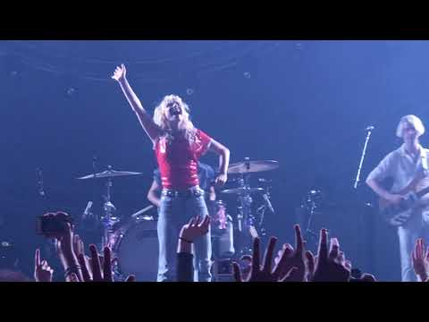 Paramore Band Intros And Rose Coloured Boy Live In Cardiff 11th January 2018