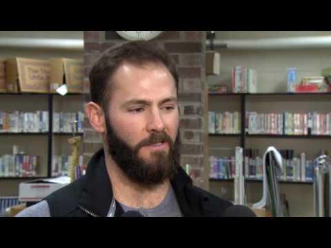 Jake Arrieta presents $5,000 to Arcadia Elementary School