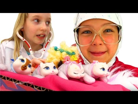 Смешные видео: Бабушка у врача. Лечим Кошку! Игры доктор. Настя и Катя в Видео с игрушками для детей