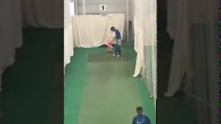 Ms dhoni bowling to virat kohli and the bat sound is superb in champions tr