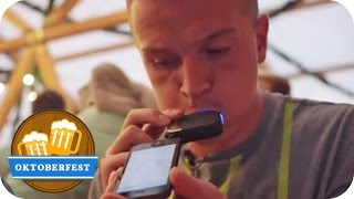 Aaron Troschke testet Gadgets zum Feste feiern | Oktoberfest München