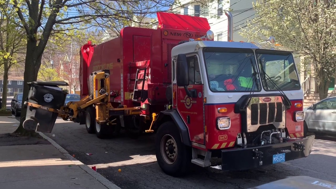 Brookline DPW Sanitation Division 347 ~ Peterbilt 520 New Way Sidewinder