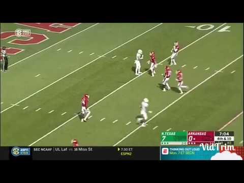 Fake fair catch leads to TD in N.Texas/Arkansas game