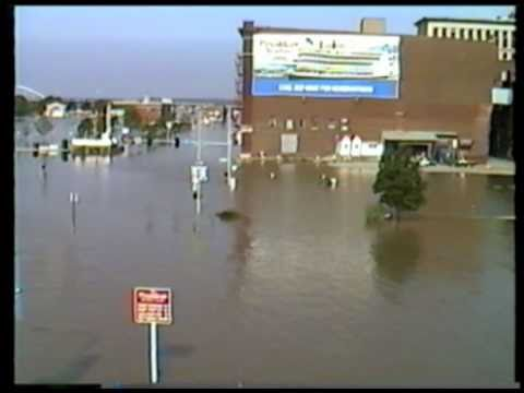 1993 FLOOD AT DAVENPORT, IOWA