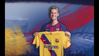 Frenkie de Jong reacts to the new FC Barcelona second kit
