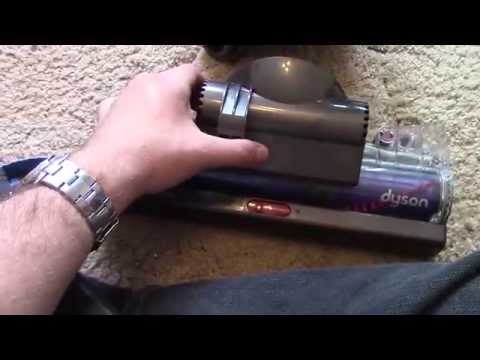 Dyson DC40 Cleaning The Brush Bar - RustySkull Productions