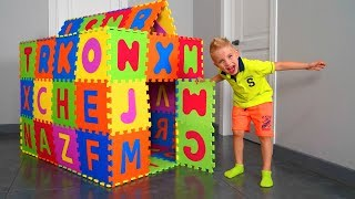 The Baby Built A House In The House. Построил Дом В Доме.