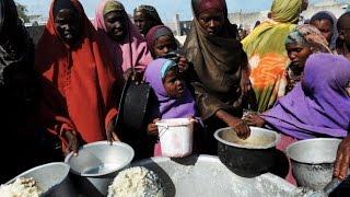 Более миллиону человек в Сомали грозит голод (новости)(http://ntdtv.ru/ Более миллиону человек в Сомали грозит голод. Более миллиона сомалийцев стоят перед лицом голода...., 2014-09-08T08:17:47.000Z)