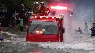 Damkar Terjang Banjir Menuju TKP Kebakaran Komplek BRI Jalan Sayuti Rawasari Cempaka Putih