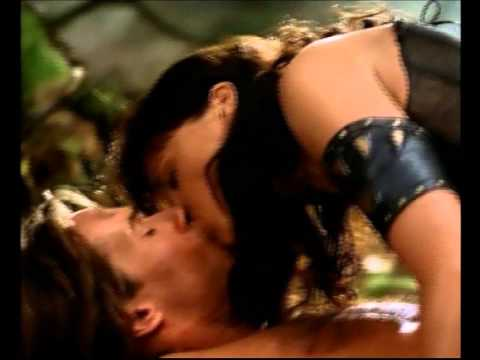 Xena et Gabrielle - Sex Bomb.... from YouTube · Duration:  3 minutes 22 seconds