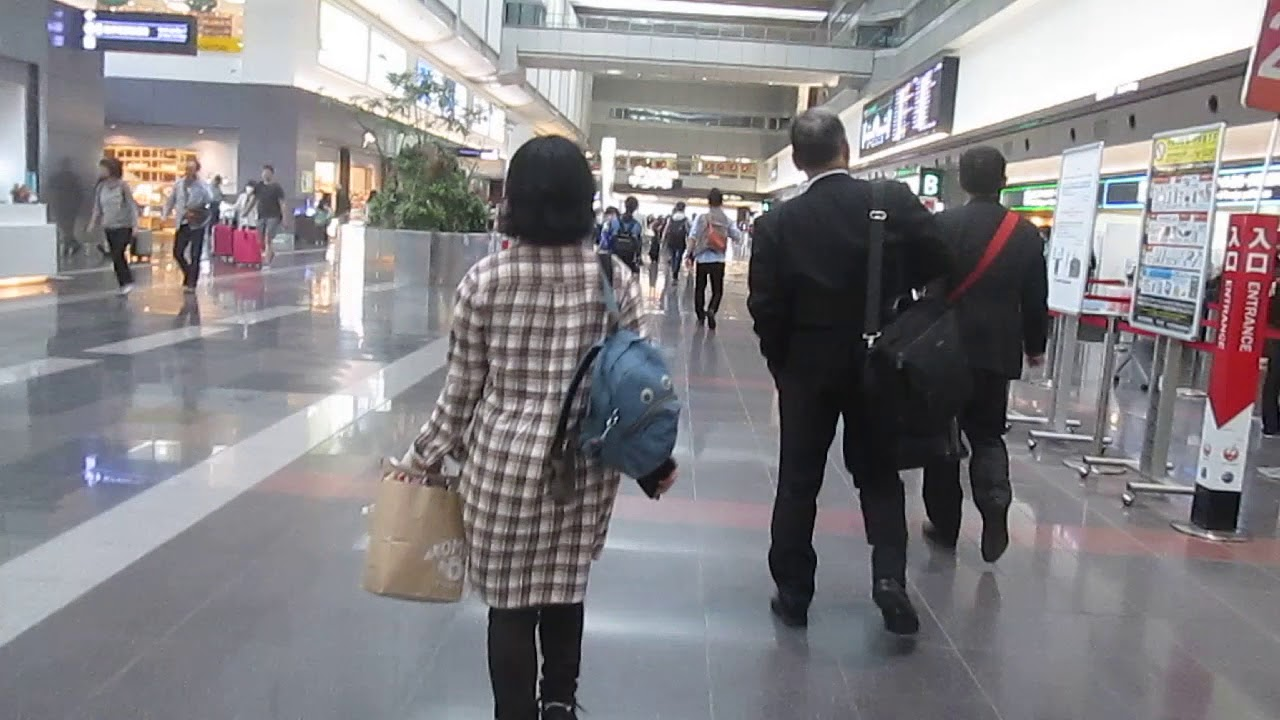 20181027@羽田國際機場 國內線第一航廈 (C安檢區附近)到 星悅航空報到專用櫃臺/安檢區 - YouTube