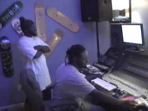 T-PAIN & M.BEEZY  BACK IN TIME CLIP