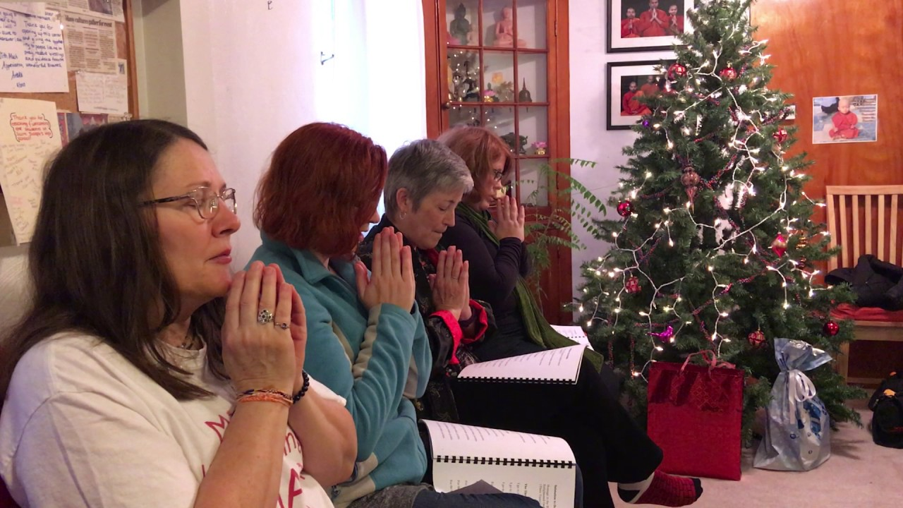 how do buddhists celebrate christmas