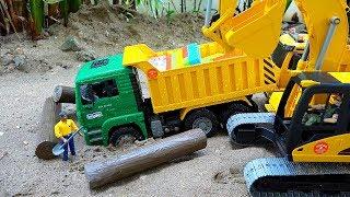 덤프 트럭 중장비 자동차 장난감 진흙 구출놀이 Dump Truck Car Toy Rescue Play