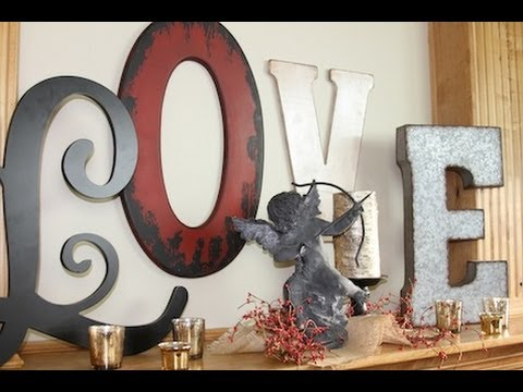 Diy love letters valentine 39 s day decorations showmecute for S letter decoration