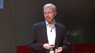 How Vietnam Can Win the Tourism Game | Jason Lusk | TEDxBaDinh