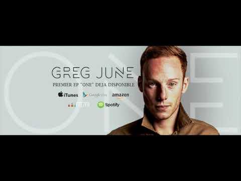 Greg June dans le Magnum Café