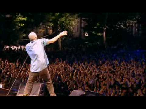 R.E.M. - Walk Unafraid (Wiesbaden, Germany 2003)