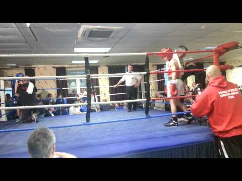 10 year old Charlie Hopkins boxing debut