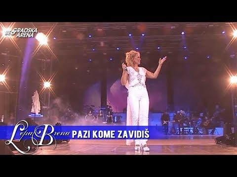 Lepa Brena - Pazi kome zavidis - (LIVE) - (Beogradska Arena 20.10.2011.)