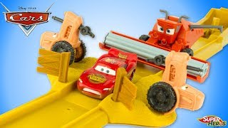 Disney Cars Tractor Tippin' Playset Frank Lightning McQueen Radiator Springs Toy Review Juguetes
