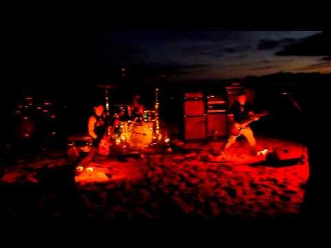 KARMA TO BURN @ DunaJam 2011 - Fifteen & Thirty Nine -
