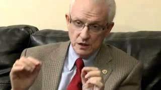 Dr. Eduardo Kohn, B
