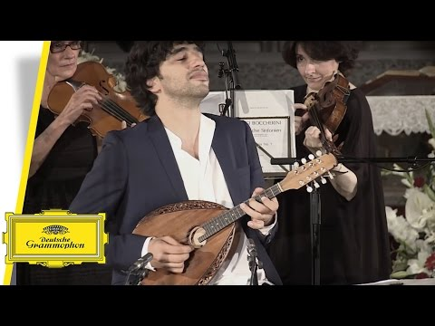 Avi Avital performs Bulgarian folk tune - Bucimis