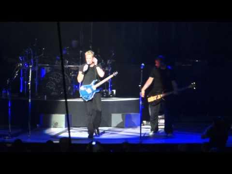 Nickelback Columbus, OH  Rob Dawson & hair talk