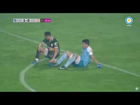 Se enfadan con el árbitro, se sientan en el campo y no juegan más