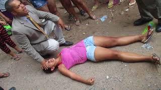 mulher manisfeta demônio na Rua. Pastor vanderson trovão