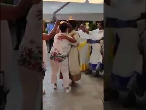 Ethiopian Lesbian አንዲት አሮጊት ሌዝብያን አበሻ ከነጭ አቻዋ ጋር ግብሮሶዶም/ሌዝብያን/ ጋብቻ በአውሮፓ ፈጸመች፡፡ thumbnail
