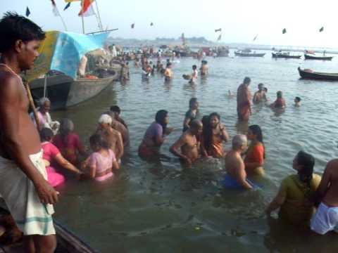 ガンガー沐浴Allahabad